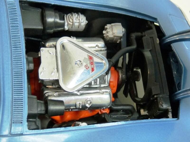 Chevrolet Corvette Stingray- 1969 - Revell Métal 1/18 ème Checor25