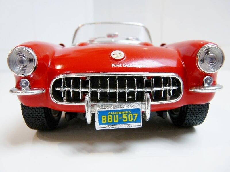 Chevrolet Corvette - 1957 - BBurago 1/18 ème Chevco10