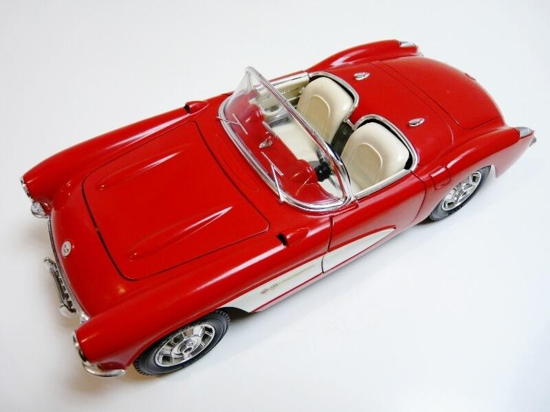 Chevrolet Corvette - 1957 - BBurago 1/18 ème Chevco11