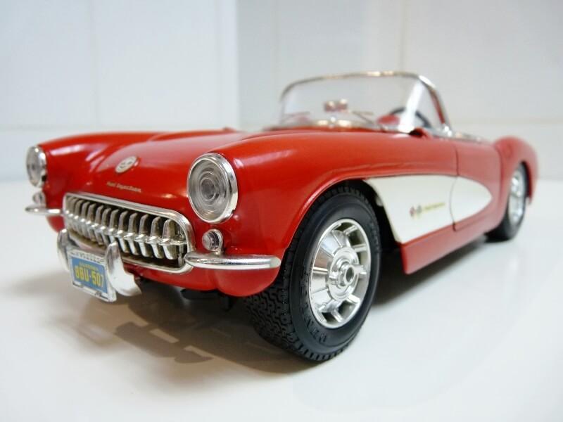 Chevrolet Corvette - 1957 - BBurago 1/18 ème Chevco18