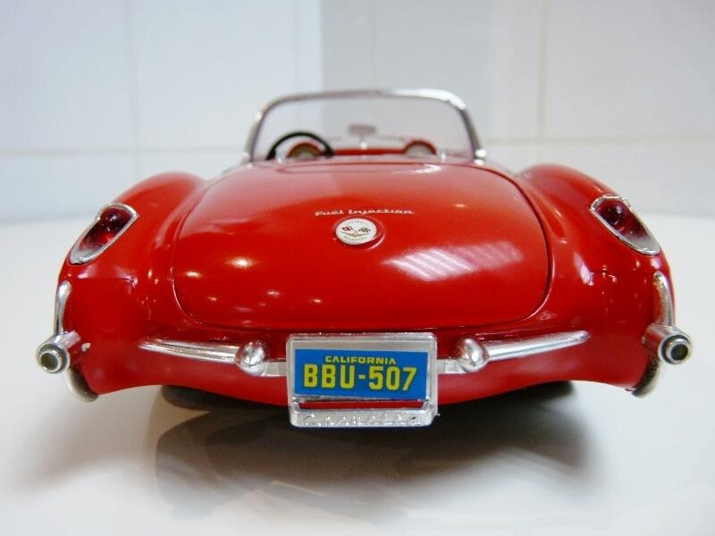 Chevrolet Corvette - 1957 - BBurago 1/18 ème Chevco22