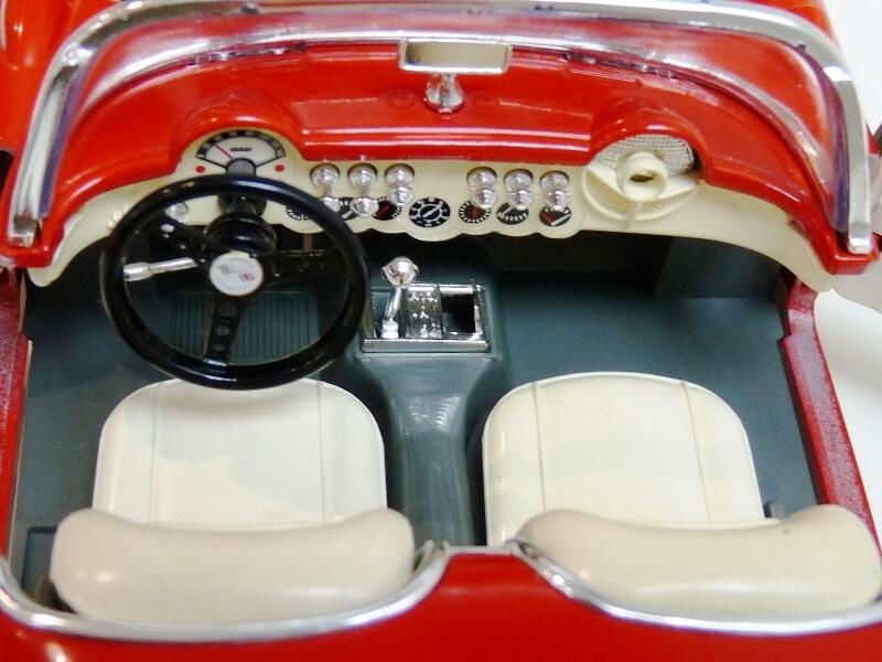 Chevrolet Corvette - 1957 - BBurago 1/18 ème Chevco25