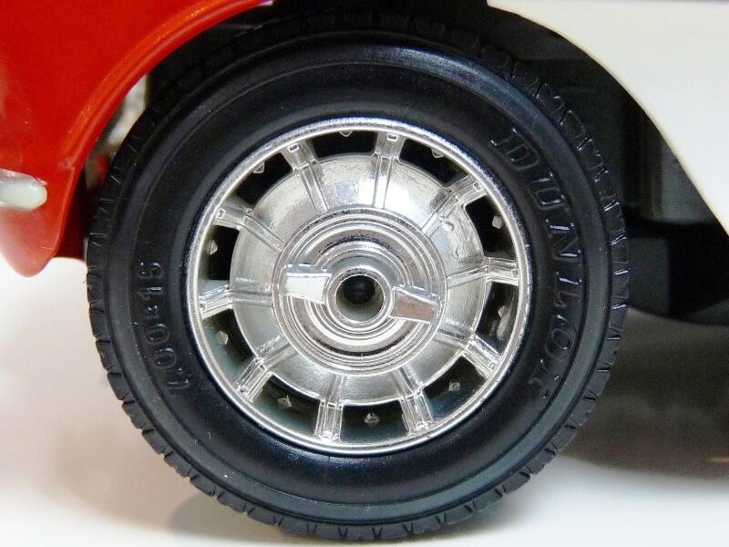 Chevrolet Corvette - 1957 - BBurago 1/18 ème Chevco28