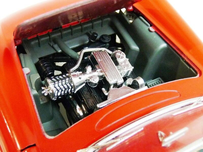 Chevrolet Corvette - 1957 - BBurago 1/18 ème Chevco29