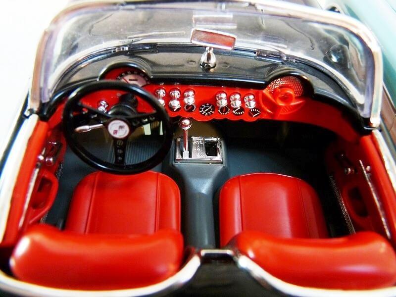 Chevrolet Corvette - 1957 - BBurago 1/18 ème Chevy_19