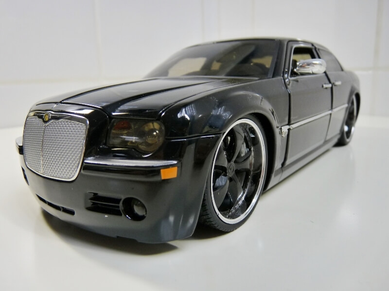 Chrysler 300c Dub édition - 2005 - Jada Toys 1/18 ème Chrys_10