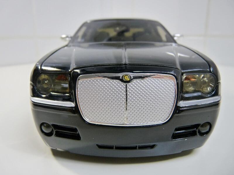 Chrysler 300c Dub édition - 2005 - Jada Toys 1/18 ème Chrys_11