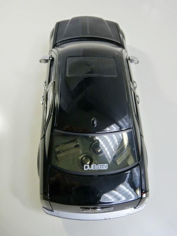 Chrysler 300c Dub édition - 2005 - Jada Toys 1/18 ème Chrys_16