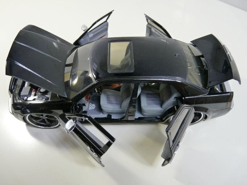 Chrysler 300c Dub édition - 2005 - Jada Toys 1/18 ème Chrys_17