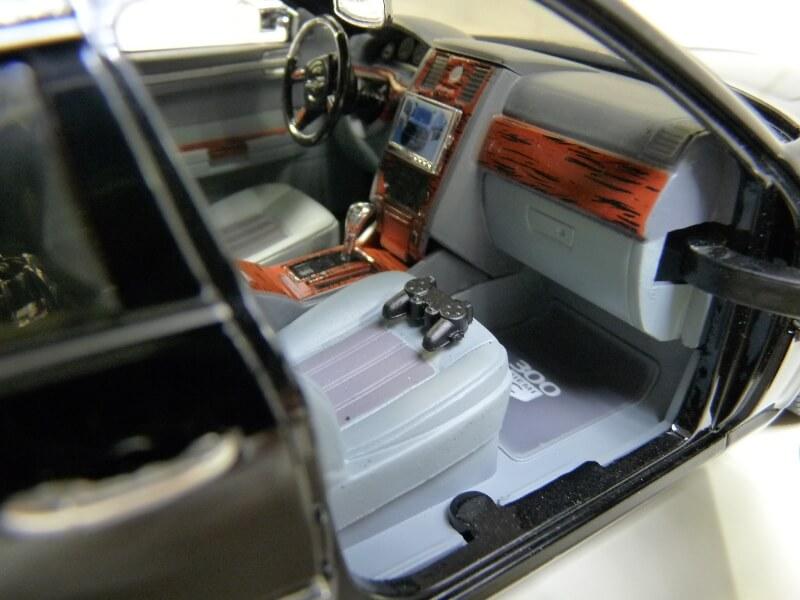 Chrysler 300c Dub édition - 2005 - Jada Toys 1/18 ème Chrys_19
