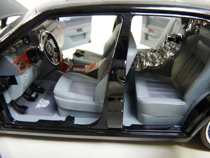Chrysler 300c Dub édition - 2005 - Jada Toys 1/18 ème Chrys_21