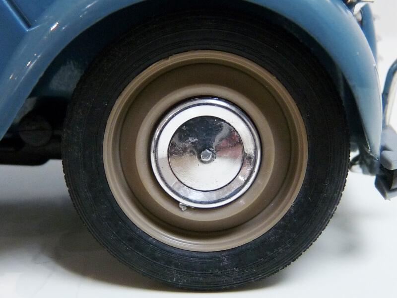 Citroën 2 chevaux 1966 - Solido 1/17 ème Citro132
