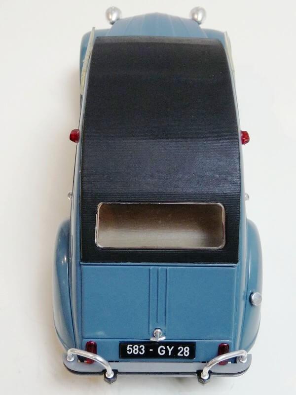 Citroën 2 chevaux 1966 - Solido 1/17 ème Citro133