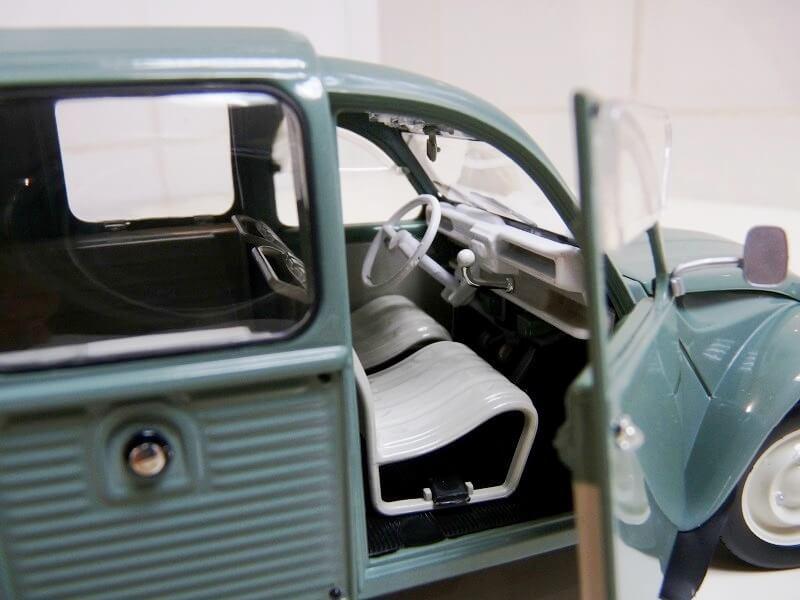 Citroën 2 chevaux AK fourgonnette - 1969 - Solido 1/18 ème Citroa15