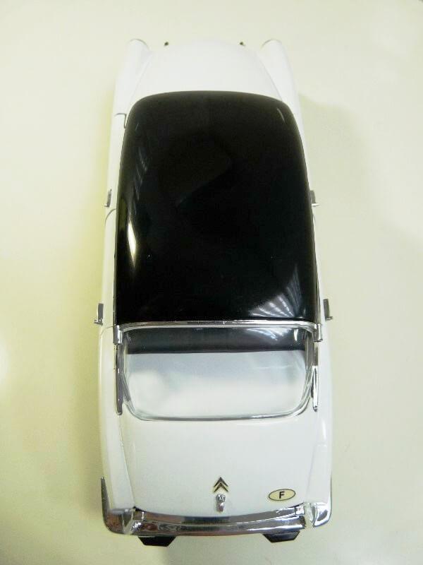 Citroën DS 19 - 1963 - Solido 1/18 ème Citrod19