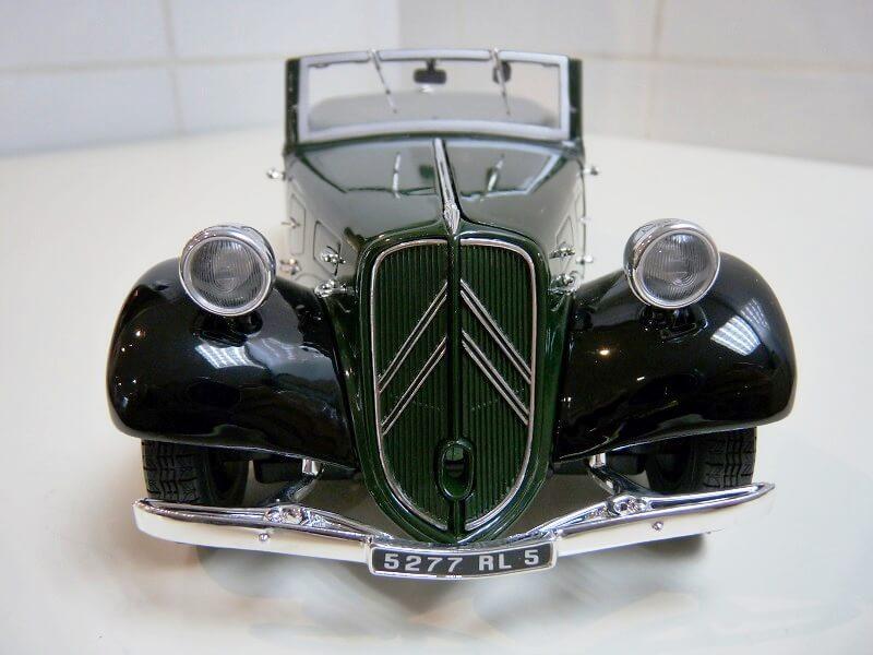 Citroën Traction 11B Cabriolet - 1938 - Solido 1/18 ème Citroe11