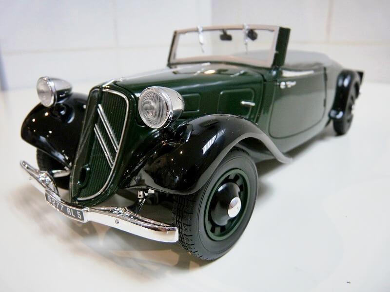Citroën Traction 11B Cabriolet - 1938 - Solido 1/18 ème Citroe12