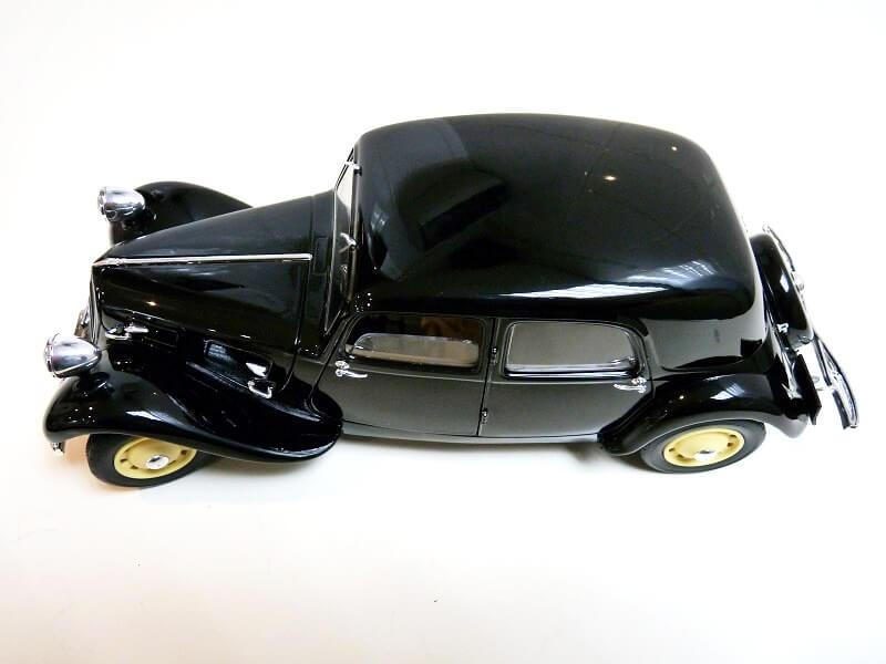 Citroën Traction 11B - 1938 - Solido 1/18 ème Citrot10
