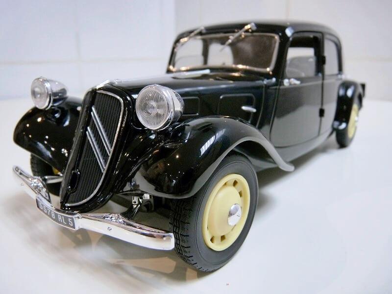 Citroën Traction 11B - 1938 - Solido 1/18 ème Citrot12