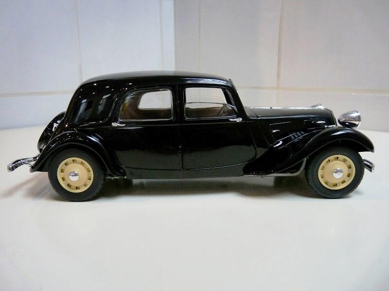 Citroën Traction 11B - 1938 - Solido 1/18 ème Citrot14