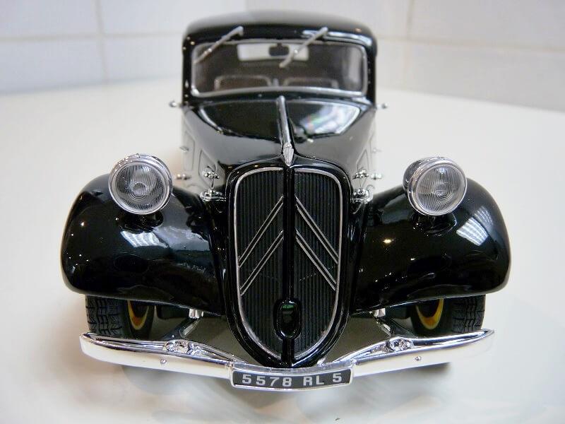 Citroën Traction 11B - 1938 - Solido 1/18 ème Citrot15