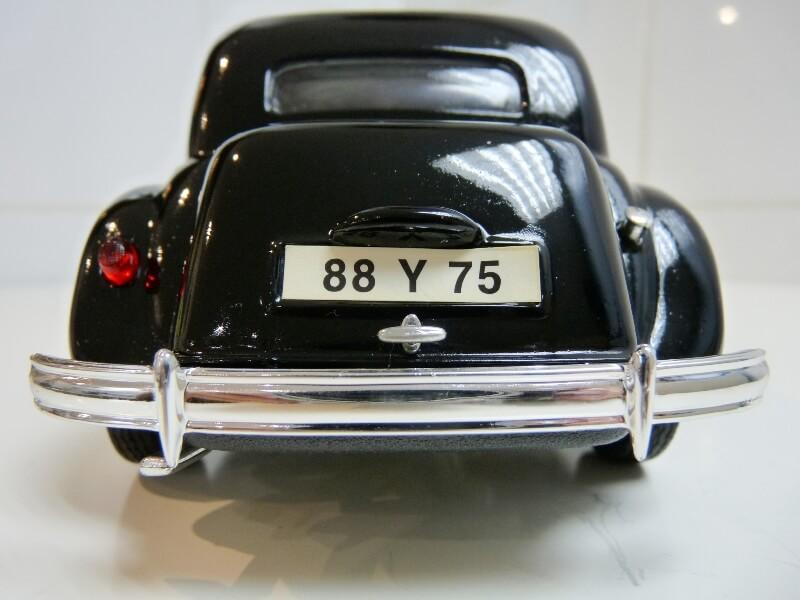 Citroën Traction 15cv 6cyl - 1952 - Maisto 1/18 ème Citrot21