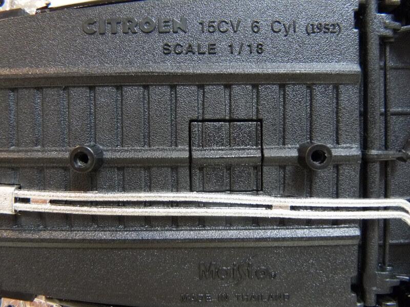 Citroën Traction 15cv 6cyl - 1952 - Maisto 1/18 ème Citrot28