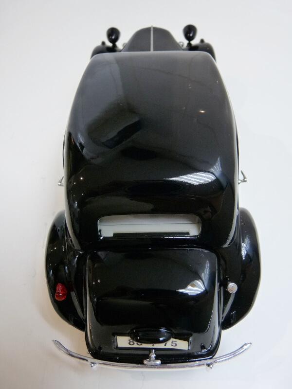 Citroën Traction 15cv 6cyl - 1952 - Maisto 1/18 ème Citrot29