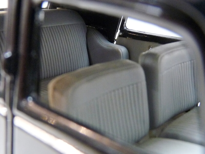 Citroën Traction 15cv 6cyl - 1952 - Maisto 1/18 ème Citrot37