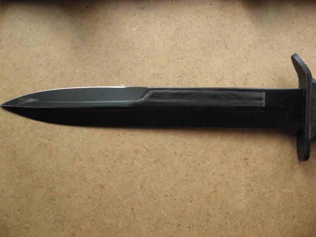 Le poignard USM3 - Page 10 Camill17
