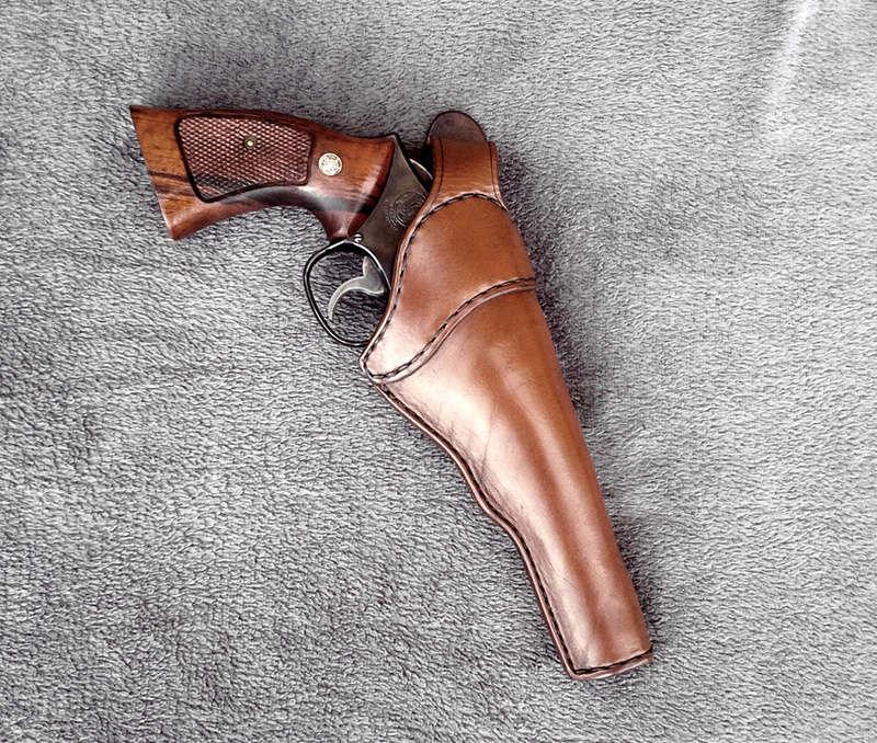"Holster ""Brigad"" pour revolver. Holste19"