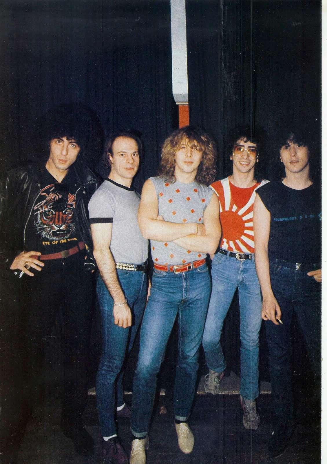 Interview de BERNIE BONVOISIN dans le BEST de mai 1983. (Archive) Scan0023