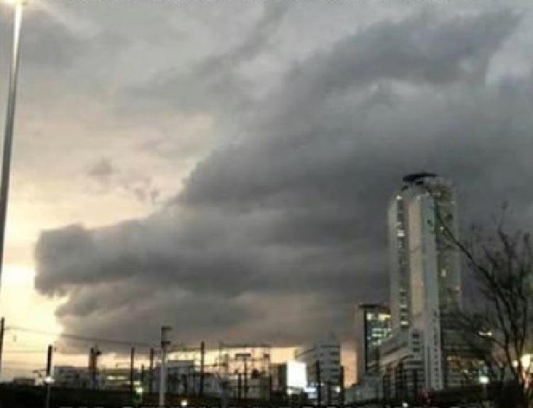Dans le cloud. Cloudr10