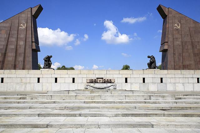 Mémorial soviétique à Berlin, RDA - Allemagne Sowjet10