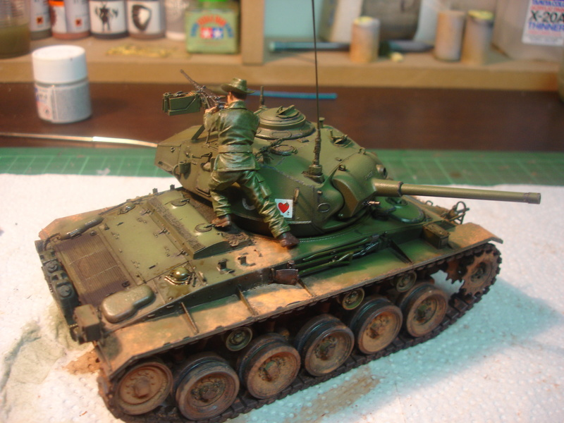 M24 Chaffee - The first Indochina war - AFV Club 1/35 - Page 2 Dsc00025