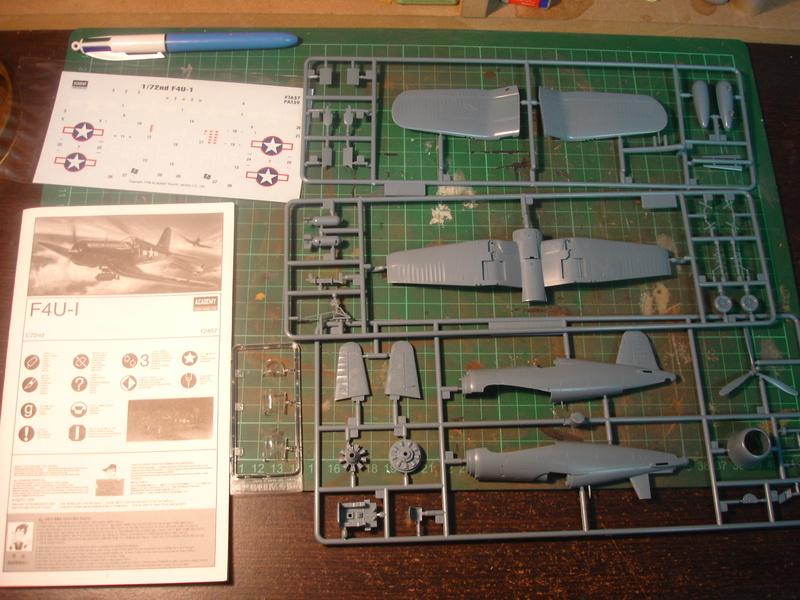 F4U-1 US Navy fighter ACADEMY HOBBY MODEL 1/72 Dsc00033