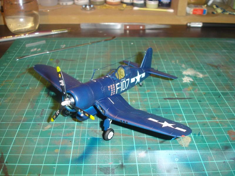 F4U-1 US Navy fighter ACADEMY HOBBY MODEL 1/72 - Page 2 Dsc00057