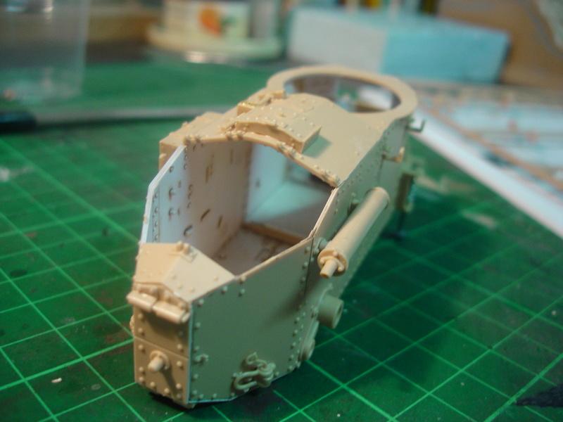 Char léger Renault FT avec tourelle rivetée - 1/35 MENG Dsc00136