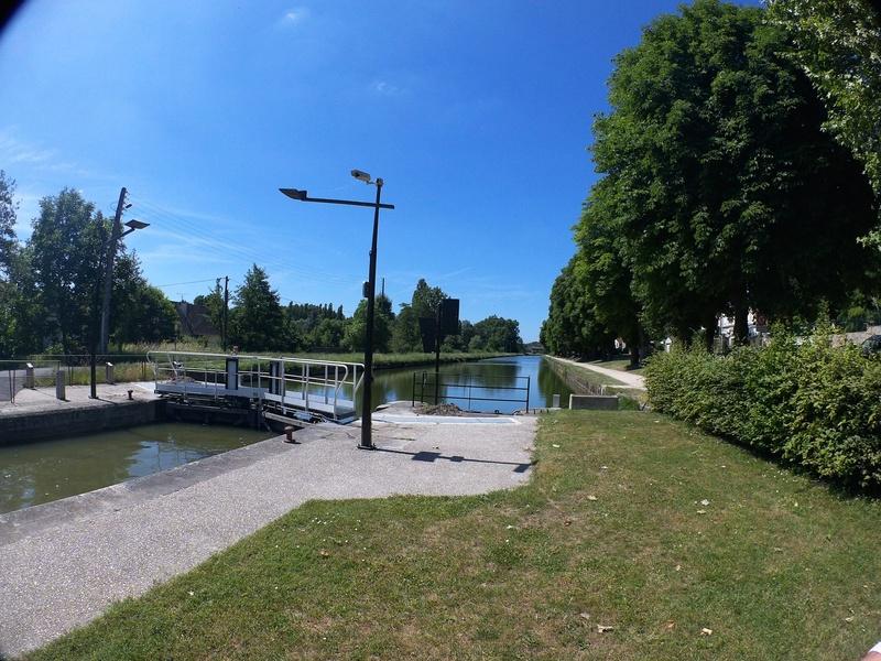 Eurovélo 3, canal du Loing, canal de Briare Canalo11