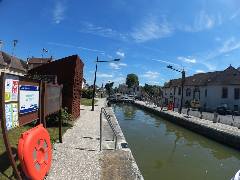 Eurovélo 3, canal du Loing, canal de Briare Canalo12