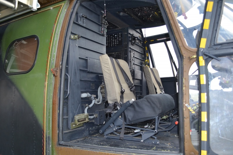 AS-332 Super Puma / Version ALAT  [Italeri, 1/72] A l'arrêt Dsc_0110