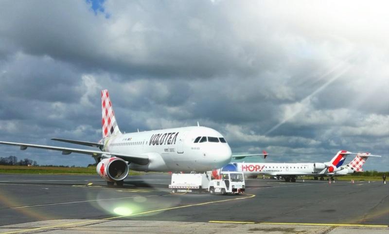 Aéroport de Caen-Carpiquet - Page 10 Chhb6d10