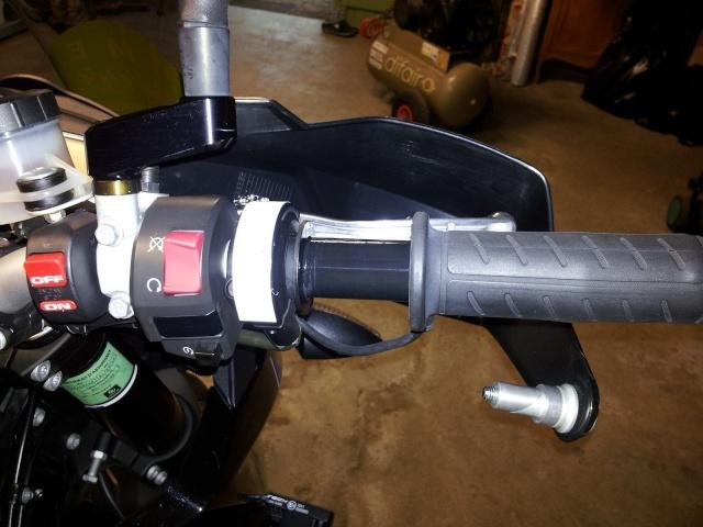 Montage poignée RC8 avec poignée chauffante KTM 310