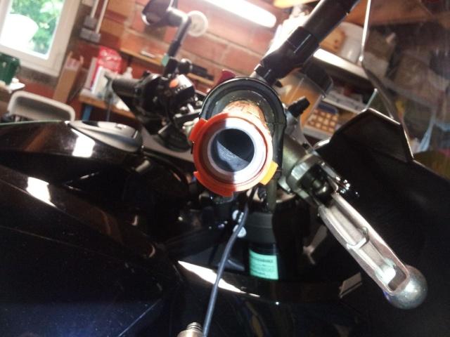 Montage poignée RC8 avec poignée chauffante KTM 910