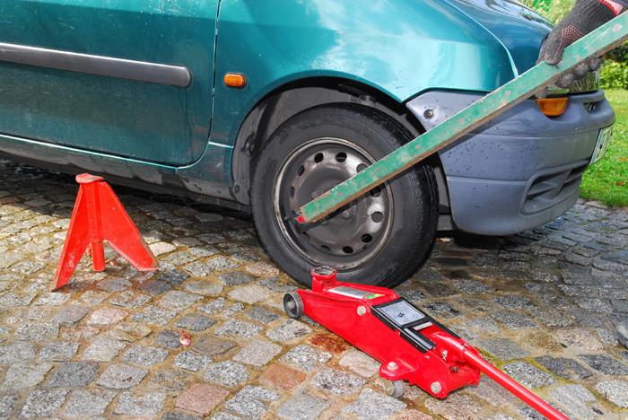 Apprentissage de la mécanique automobile (stages, ressources) Desser10