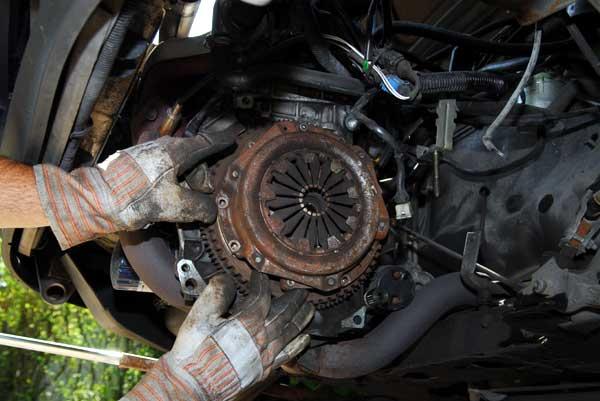 Apprentissage de la mécanique automobile (stages, ressources) Embray10