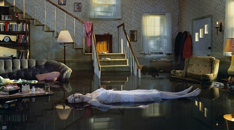 Gregory Crewdson [Photographe] - Page 2 A992