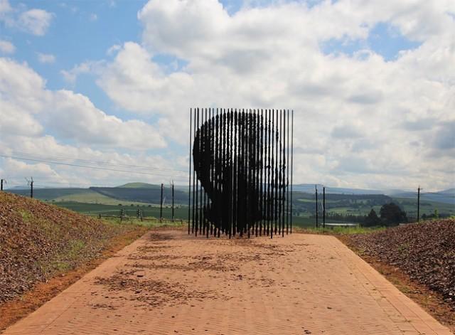 Une sculpture / un sculpteur en passant - Page 4 Aa414