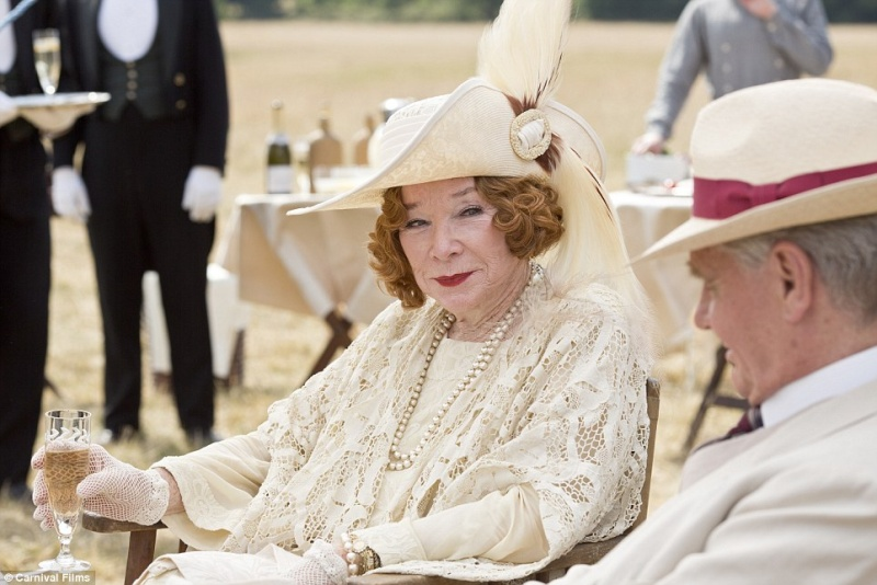 Downton Abbey [série] - Page 8 Aaa110