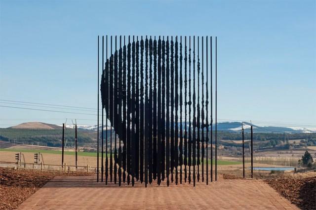 Une sculpture / un sculpteur en passant - Page 4 Aaa97